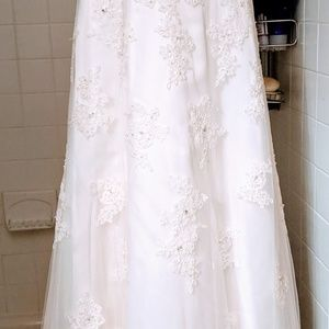 David's Bridal Dresses - BEAUTIFUL WEDDING GOWN, SLIP AND SHOES